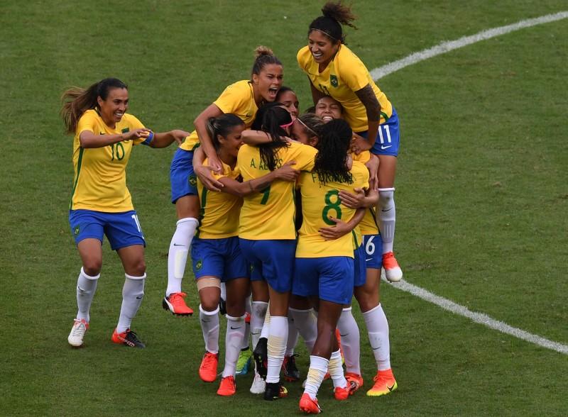 Gols foram marcados por Mônica, Andressa Alves e Cristiane