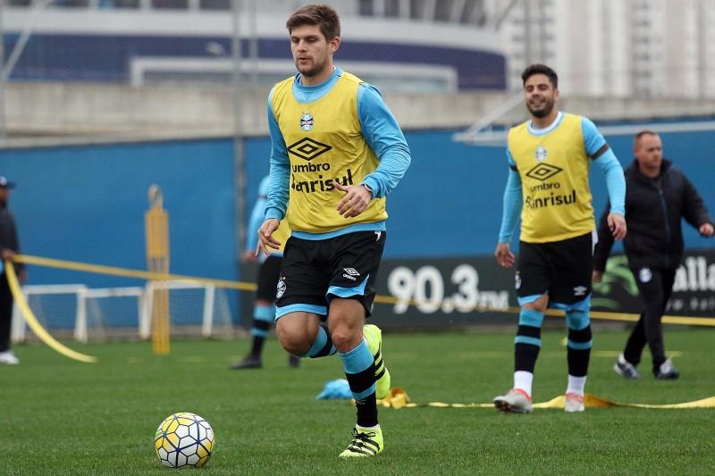 E a novidade do treino ficou por conta do zagueiro uruguaio Walter Kannemann, relacionado para o jogo após adquirir ritmo de jogo