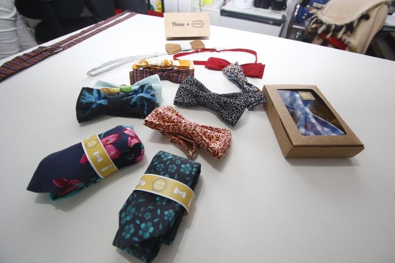 Gabriel Baron Bastos faz gravatas com tecidos reutilizáveis.