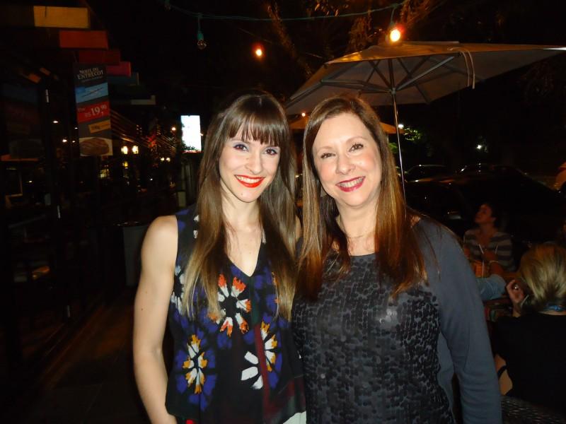 Mariana Prestes com Eleone Prestes, que brindou seu aniversário em happy hour no restaurante Vilaró
