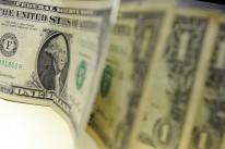 Dólar fecha acima dos R$ 3,70 e acumula alta de 3,80% na semana