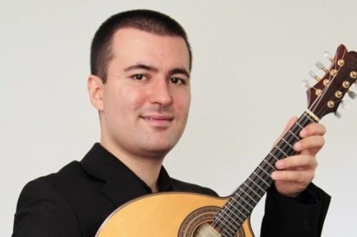 Elias Barboza participa de evento da Oficina Choro e Samba do Santander Cultural