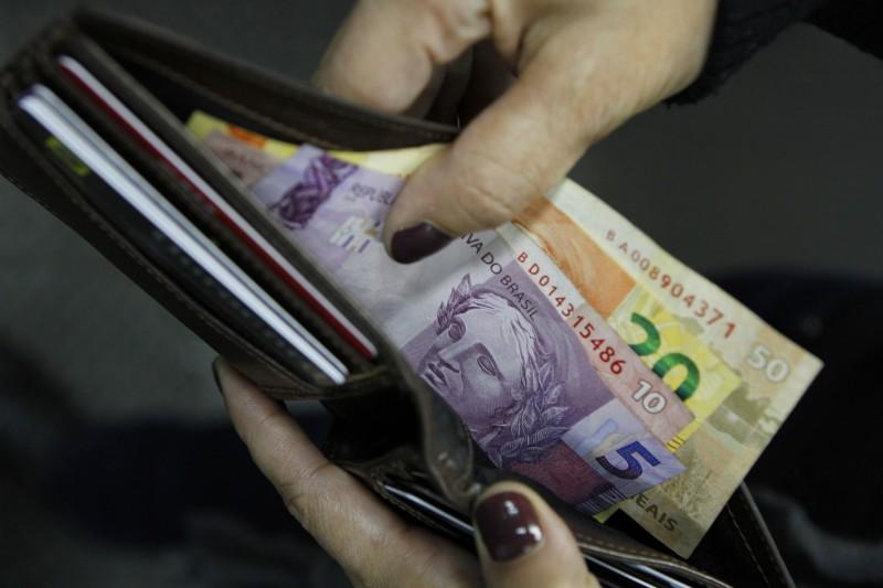 Pesquisa mostra que mais de 85% dos brasileiros não querem entrar em financiamento