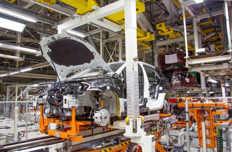 Crise econômica levou a um recuo na produção de veículos