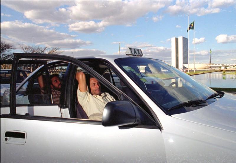 Carros para atender à Esplanada dos Ministérios teriam de, obrigatoriamente, operar com uso de aplicativos