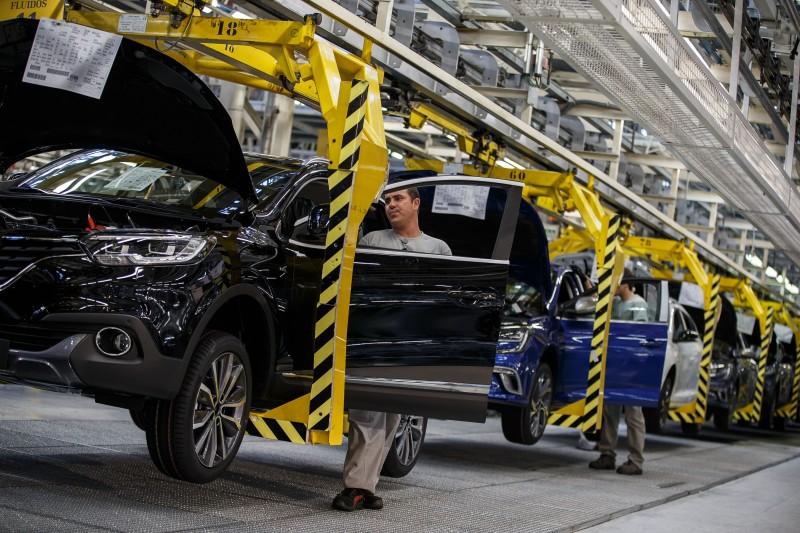 Foram 189.907 veículos produzidos no sétimo mês do ano, queda de 15,3% em relação a igual período do ano passado