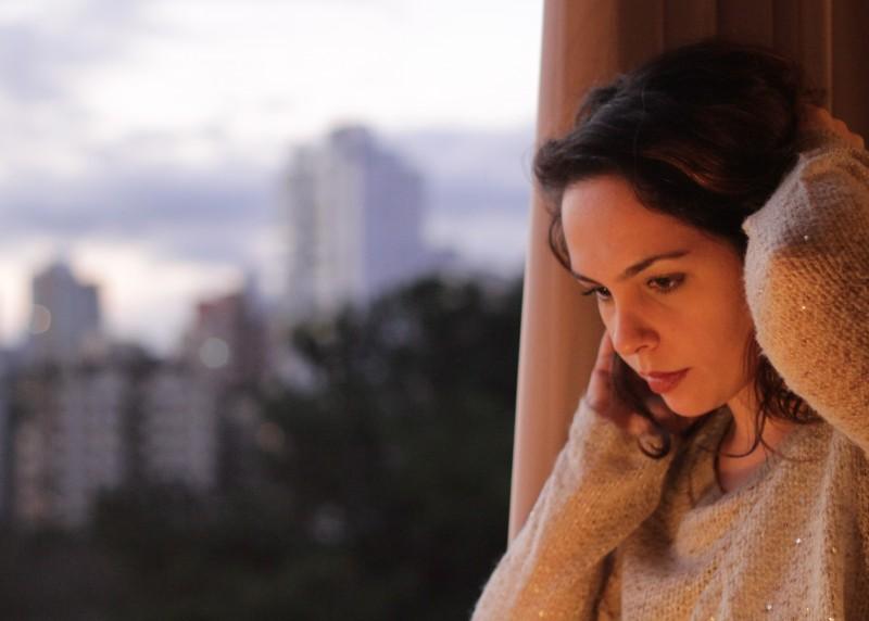 Gisele De Santi lança seu terceiro álbum amanhã no Theatro São Pedro