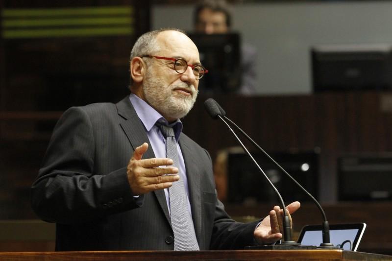 O deputado estadual será o companheiro de Luciana Genro na disputa pelo paço municipal
