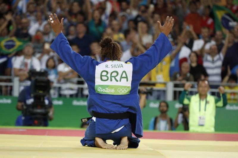 Rafaela Silva leva o ouro na categoria de 57 quilos do judô