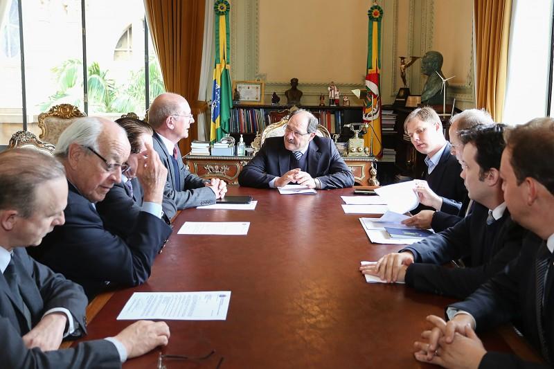 Proposta dos congressistas foi entregue ao governador José Ivo Sartori