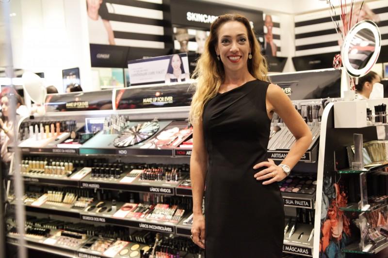 Andrea esteve na inauguração da nova loja da marca, no dia 5/8