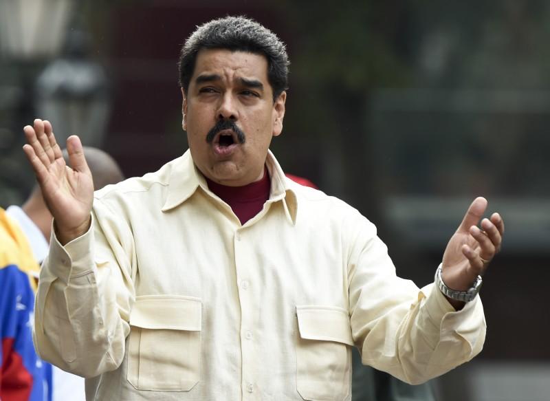 Maduro acusa oposição de fraude no recolhimento de assinaturas