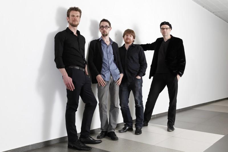 Quarteto franco-suíço No Square oferece masterclass e faz show