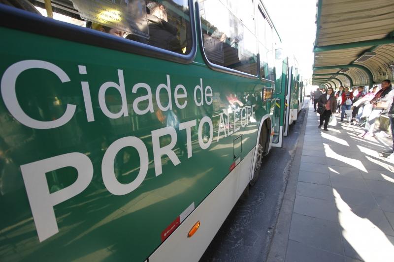 Segundo a EPTC, 296 novos veículos circulam em Porto Alegre
