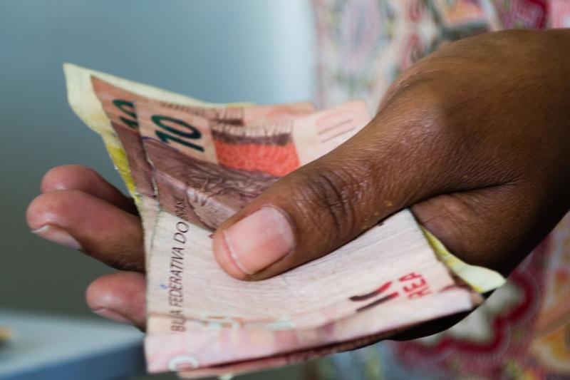 Redução de financiamento via Fies abriu espaço para instituições financeiras privadas