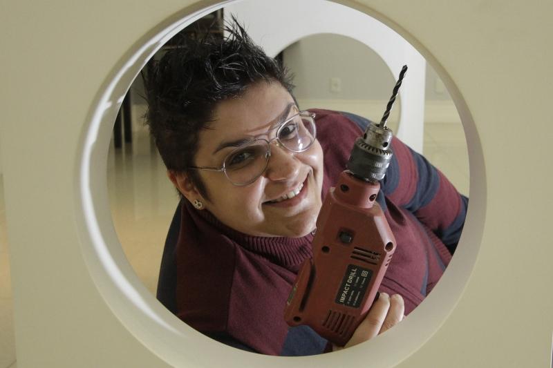 SOS Gurias, empresa que presta serviços de reparos domésticos realizados por mulheres.