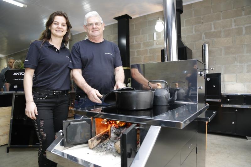 Muriel segue a empresa do pai, Celso Antonow, aberta há 40 anos