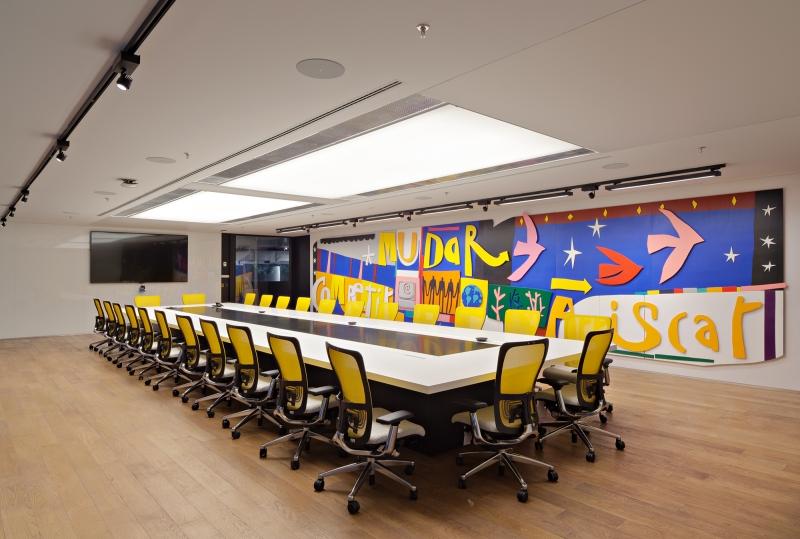 Espaço possui 140 salas de reunião