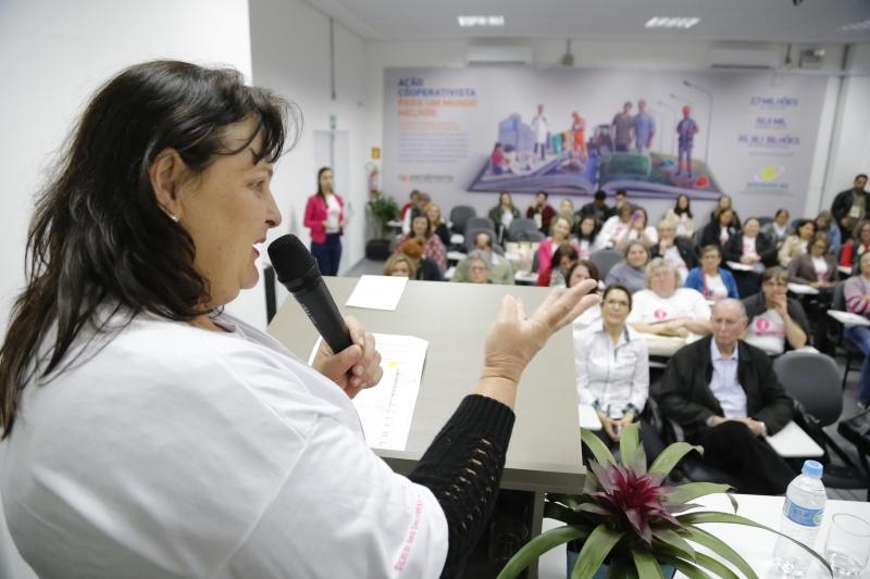 Clelia e outras 37 mulheres participaram de caravana no parque de Esteio