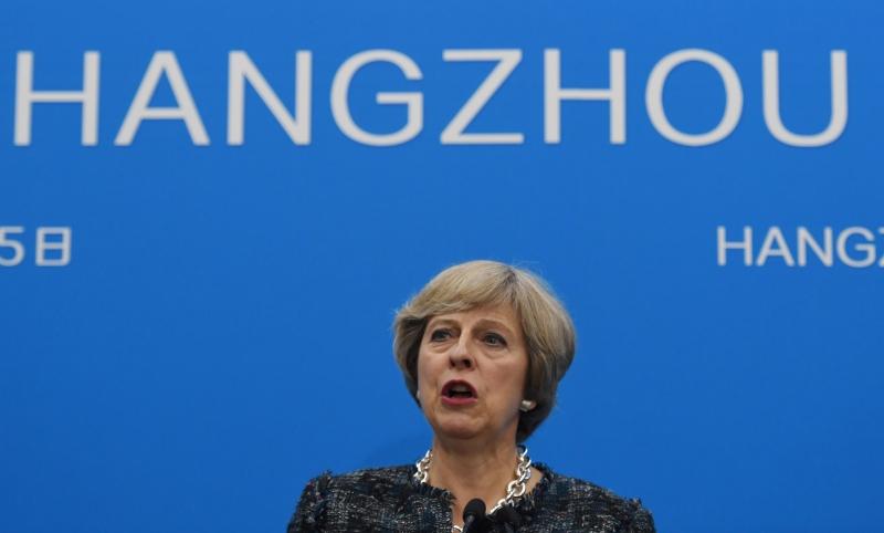 Theresa May deve discutir, nos próximos dias, acordos com outros países