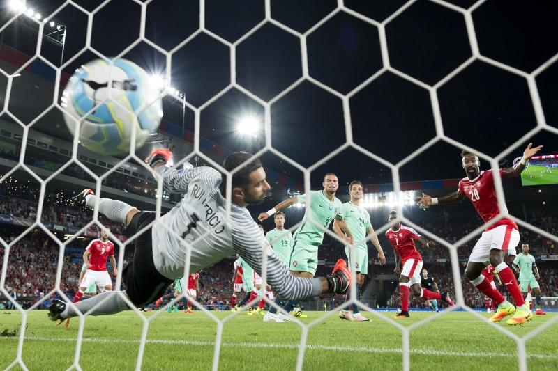 A seleção portuguesa decepcionou e perdeu para a Suíça na estreia das Eliminatórias para a Copa do Mundo de 2018