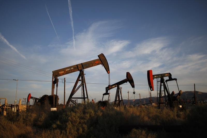 Produção das indústrias extrativas de gás e de petróleo segue fraca