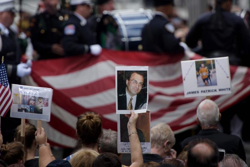 No Marco Zero, em Nova Iorque, familiares das 2.983 vítimas prestaram homenagens