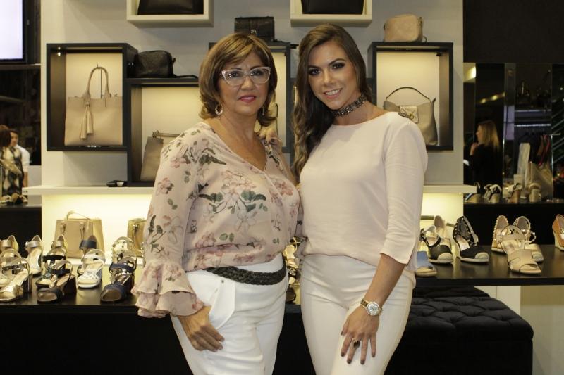 Elizabete e Bruna Paese receberam as convidadas