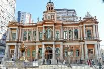 Prefeitura paga R$ 1,5 mil nesta sexta e terminará de quitar folha apenas no dia 17