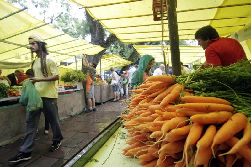 Comprar alimentos é prioridade para quem tem orçamento apertado