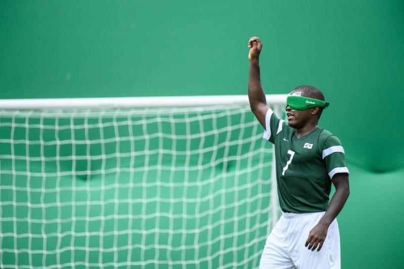 Destaque da partida, Jefinho foi o autor dos dois gols da vitória brasileira por 2 a 1