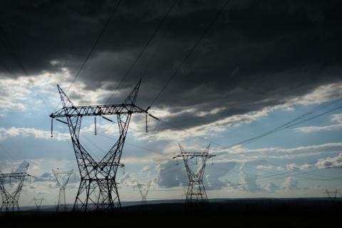 Conta de luz para os brasileiros em 2020 pode ter aumento de 2,42%