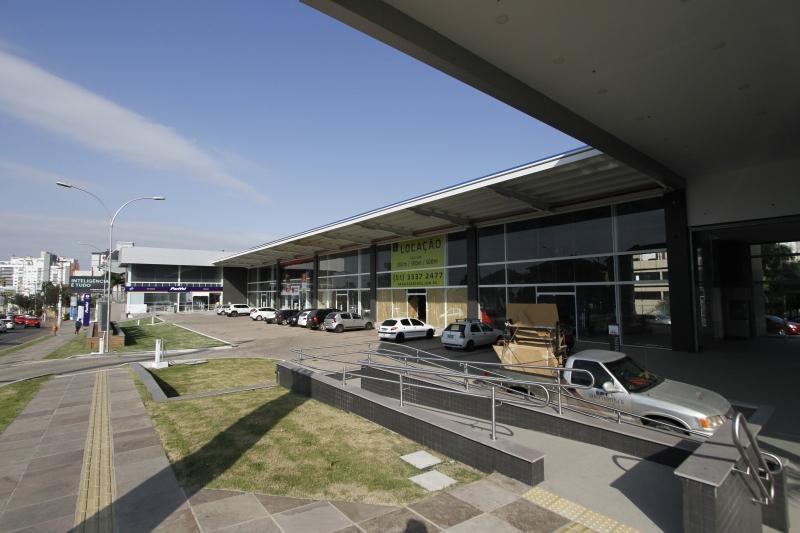 Centro comercial na Plínio Brasil Milano contará com sete lojas