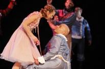 Espetáculo Romeu e Julieta é atração no Theatro São Pedro