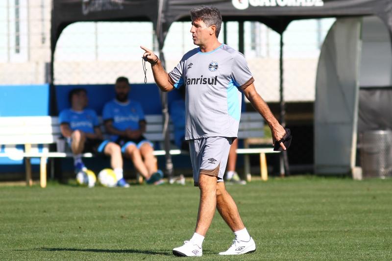 Técnico gremista comanda treino na Arena hoje para definir o time contra os paulistas