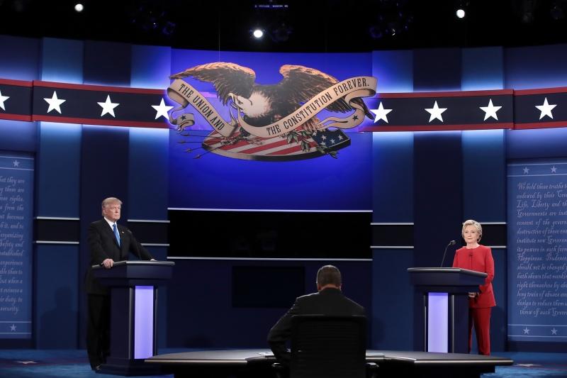Republicano e democrata 'trocaram farpas' na Universidade de Hofstra