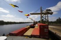 Transporte de contêineres pela hidrovia gaúcha terá novo navio