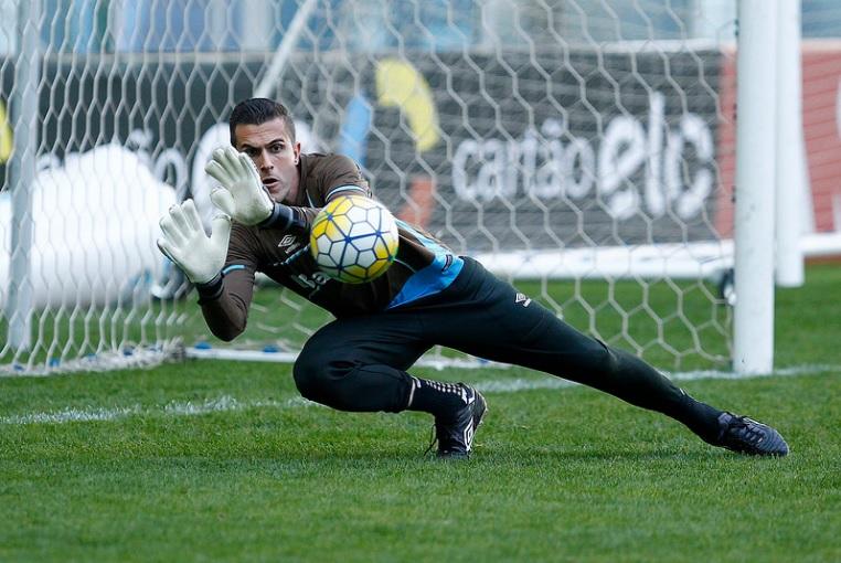 Marcelo Grohe e Bruno Grassi estão relacionados para a partida