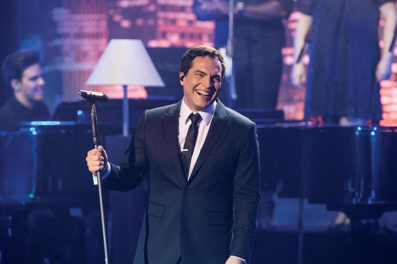 Cantor Daniel Boaventura traz show inédito ao Teatro do Sesi