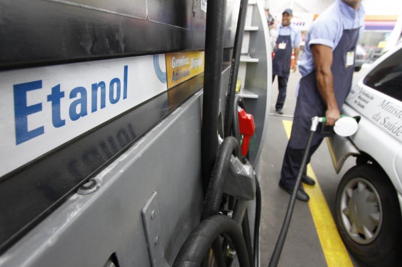 Preço médio do litro do combustível apurado no Estado foi de R$ 3,836 na última semana de 2017