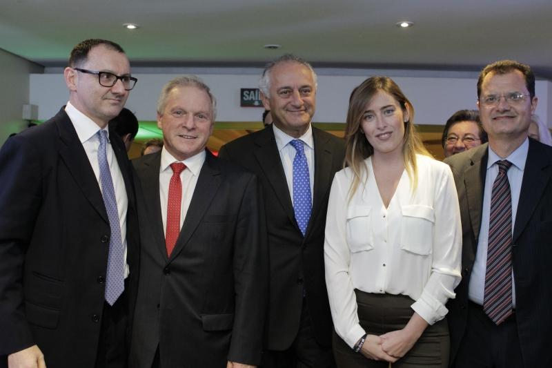 Nicola Occhipinti, cônsul-geral da Itália, Francisco Schmidt, Antonio Bernardini, embaixador da Itália no Brasil, a ministra Maria Elena Boschi e o deputado italiano Fabio Porta