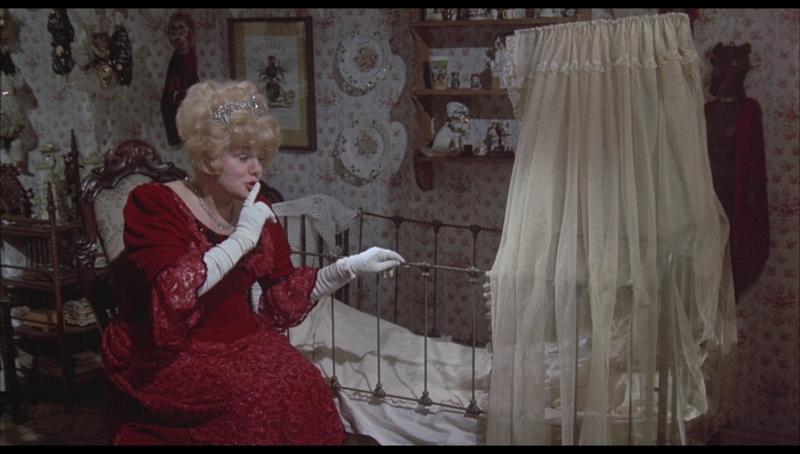 Shelley Winters em cena do filme Fábula macabra, de Curtis Harrington