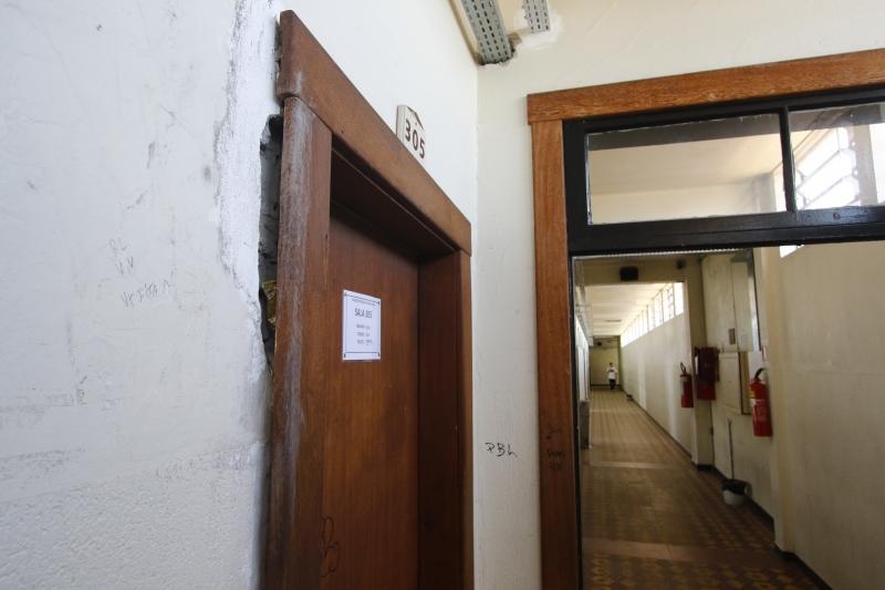 Com problemas, instituição deixou de abrir 12 turmas em 2016