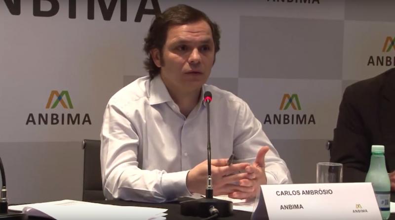Cenário favorece produtos conservadores, disse Carlos Ambrósio