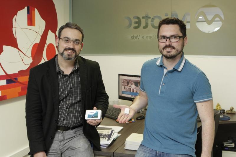 Arrial (esquerda) e o sócio Fabiano Ergoni explicam o salto da tecnologia após o Tecnova RS