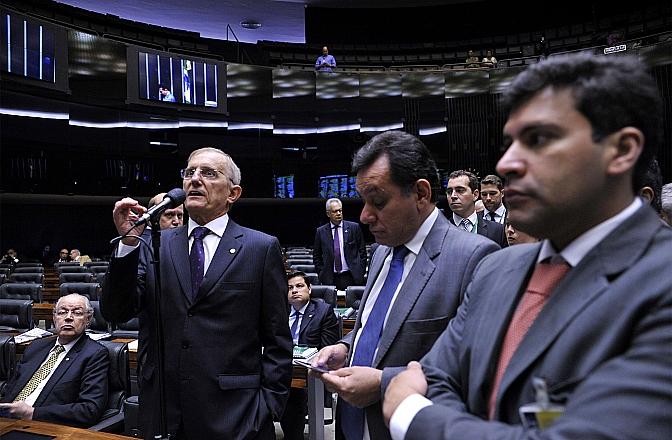 Deputado federal Darcísio Perondi (PMDB) é o relator da PEC que limita gastos