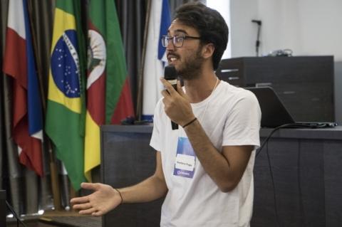 Gustavo Fuga contou sua história na Criexp, promovida pela Univates