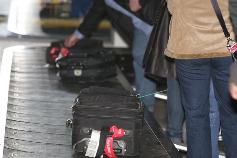 Fisco informa sobre o que deve ser declarado e o que é proibido trazer na bagagem