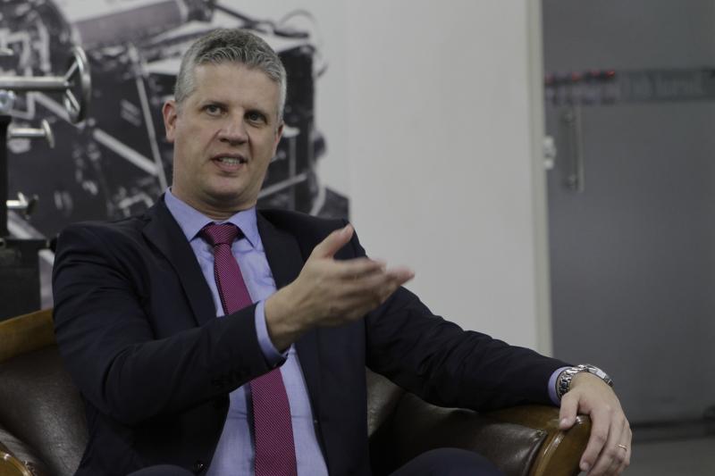 Moreira explica os benefícios que o cabo trará aos usuários da rede