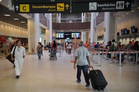 Número de passageiros transportados tem primeira queda em 13 anos, diz Anac